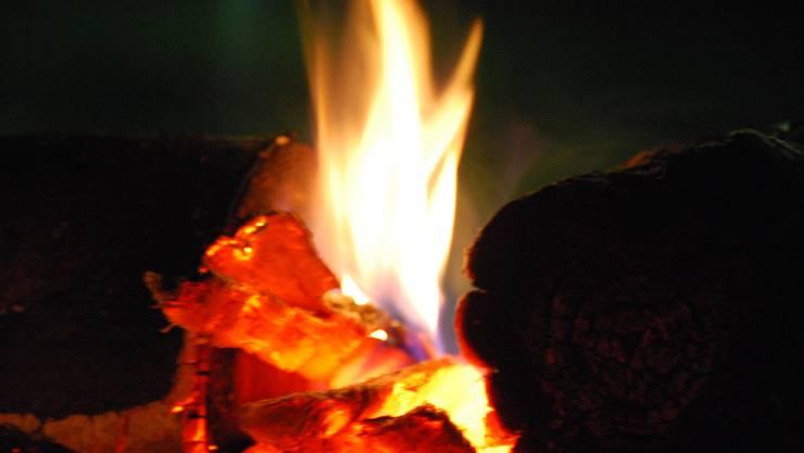 Am Osterfeuer wird an die Nacht der Auferstehung Christi gedacht.
