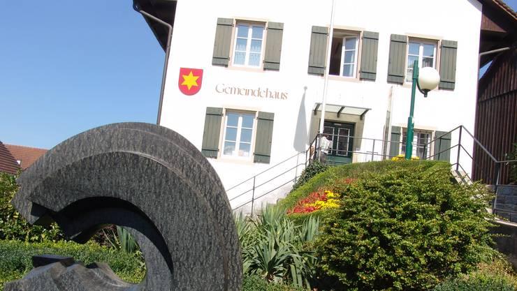 In der Gemeinde Oetwil gilt auch 2018 ein Steuerfuss von 41 Prozent und nicht 46 Prozent. Die Steuererhöhung stiess auf grosse Ablehnung.