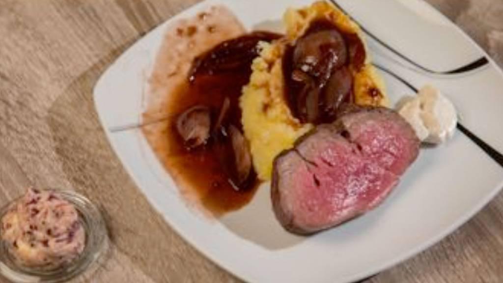 Rindsfilet auf Rotwein-Schalotten-Butter