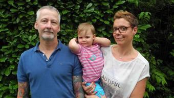 Die Familie Schuch: Die Eltern Helge und Alexandra, in der Mitte Isabelle Josephine.