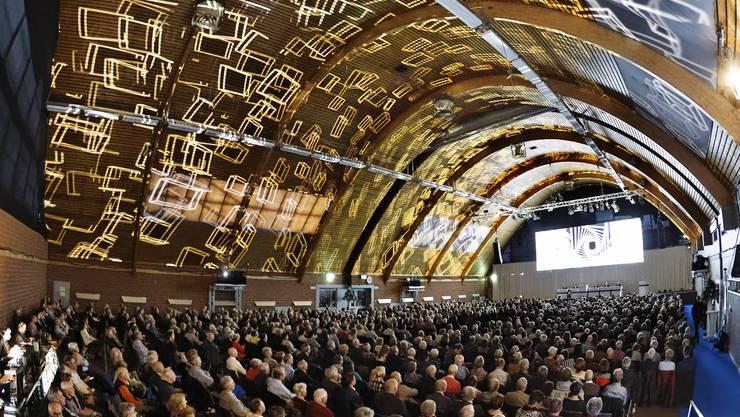 Nach der Retrospektive an der Jubiläums-Generalversammlung im vergangenen Jahr empfing die Hypi ihre Aktionäre am Samstag mit einer spektakulären Lichtshow.