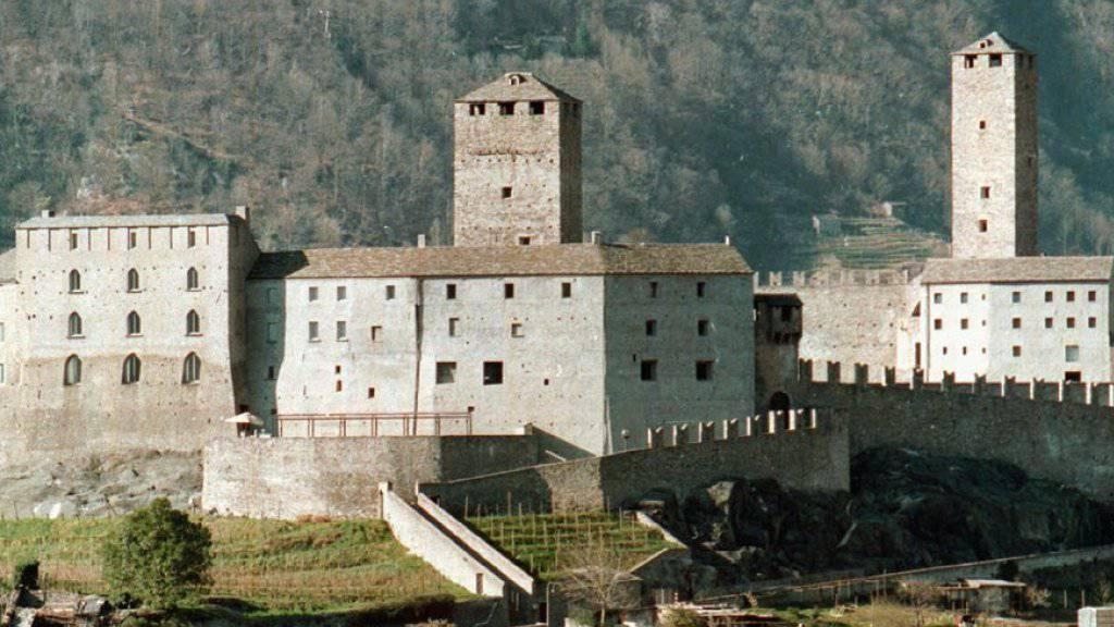 Im Castelgrande in Bellinzona kann man im Turmzimmer nächtigen. (Archivbild)