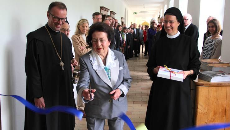 Silvia Haab die den Raum finanziert hat darf den Raum als Erste betreten