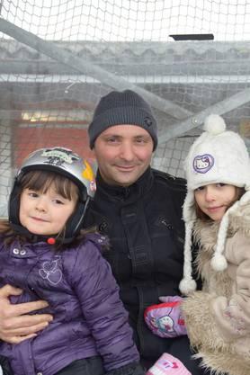«Die jetzige Eisbahn ist so heimelig. Bei schönem Wetter fährt man unter der Sonne und die Kinder haben auch Spass daran. Meiner Meinung nach bräuchte es nicht unbedingt eine neue Eisbahn.»