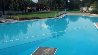 Das Schwimmbad Auhof.