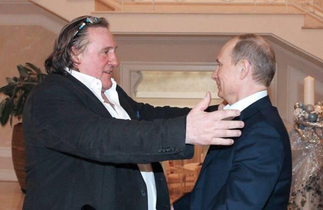 Gérard Depardieu und Wladimir Putin verstehen sich offenbar gut – die Aufnahme stammt von 2010.