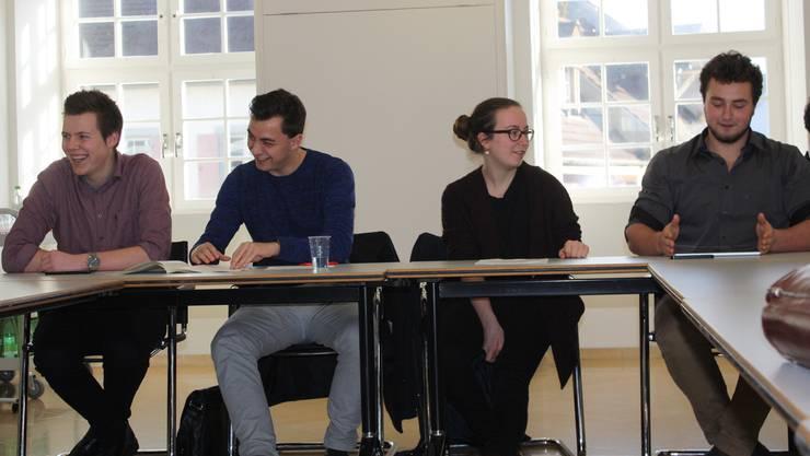 Die Juso sind guten Mutes: (v.l.) Joël Bühler, Jan Kirchmayr, Julia Baumgartner und Etienne Winter.