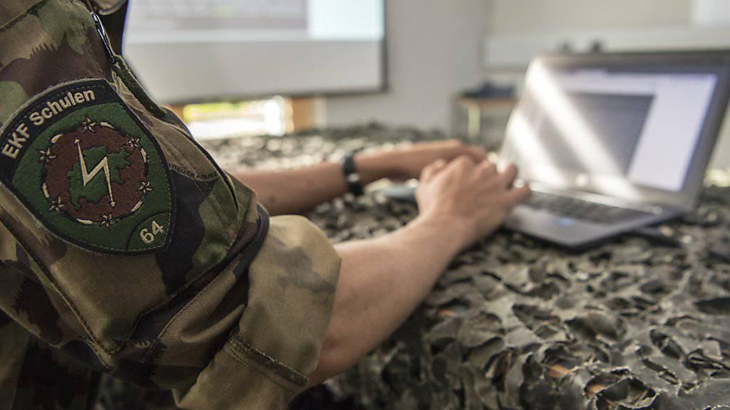 Betroffen von den Magen-Darm-Beschwerden waren vor allem Rekruten der Schule für Elektronische Kriegsführung in Jassbach BE. (Archivbild)