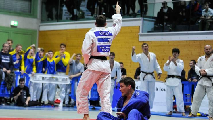 Routinier und Schweizer Meister Michael Kistler (l.) zeigt Nervenstärke: Im Final fährt er den entscheidenden Punkt gegen Uster ein.