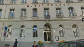 Das Hotel Krafft lässt die italienischen Projektpartner von «Help for Refugees» gratis in seinen Zimmern übernachten.