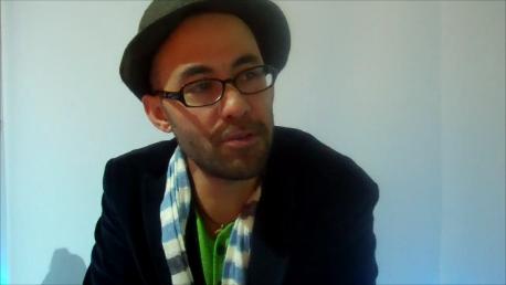 Der Zürcher Slam Poet Simon Chen spricht im Interview mit der bz über die Faszination des Poetry Slams und die Nähe zum Publikum
