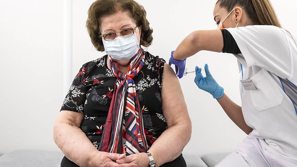 Booster-Impfung verlängert Zertifikatsgültigkeit um ein Jahr