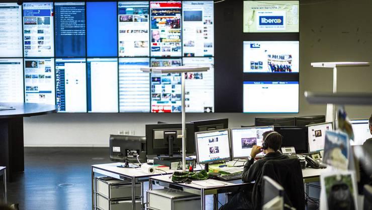 Blick in den Newsroom der AZ Medien in Aarau.