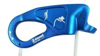 """Decathlon ruft das Sicherungsgerät """"Toucan Light"""" von Simond wegen Absturzgefahr zurück."""