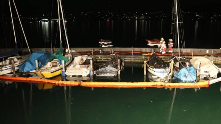 Im Hafen von Küsnacht brannten sieben Boote.