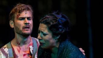 Peter Bernhard als Trovatore Manrico in Verdis Oper.