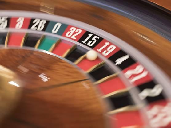 Zocken nicht mehr nur am Spieltisch: Schweizer Casinos dürfen künftig auch Online-Glücksspiele anbieten.