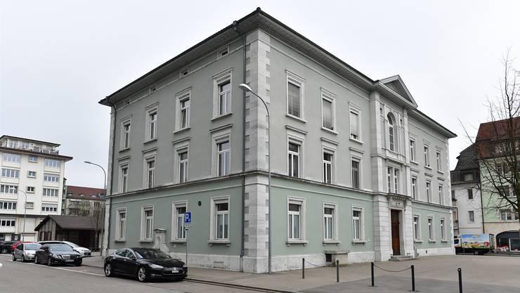 Auf dem Vorplatz des Hübeli kann sich das Kunstmuseum dereinst präsentieren (rechts), auf dem Platz hinter dem Gebäude besteht Platz für einen Anbau.