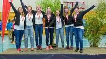 Grosse Freude beim STV Oberentfelden-Amsteg über den Gewinn der Silbermedaille.