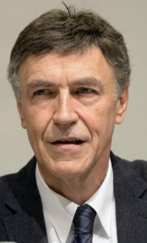 Die Schweizer Bevölkerung, nicht internationale Juristen-Eliten sollen das letzte Wort haben, argumentiert Luzi Stamm