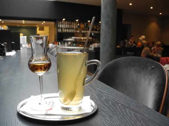Die Confiserie bietet den Rum-Punsch mit oder ohne Alkohol an. Auch Orangenpunsch ist im Angebot. Die Konzentrate dazu sind selbstgemacht.