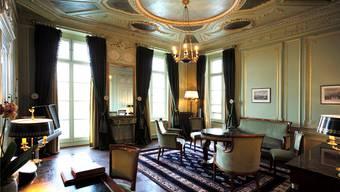 Die Suite Napoleon ist nach dem französischen General benannt, weil er einst in diesem Zimmer gegessen hatte. Der damalige Hotelbesitzer hegte möglicherweise die Hoffnung, Napoleon käme zurück. Was allerdings nie geschah.