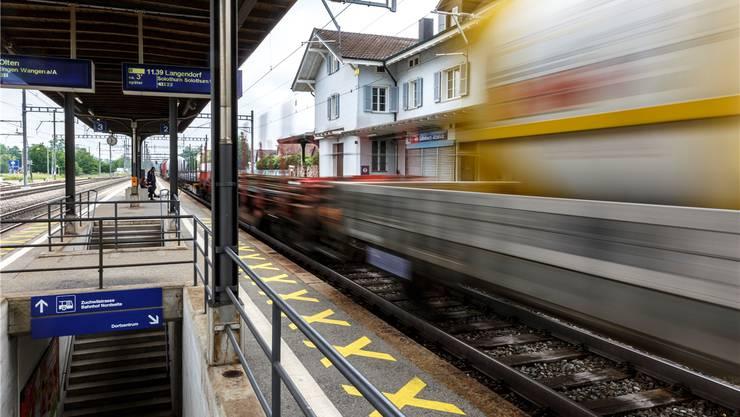 Das Ein- und Aussteigen am Bahnhof Luterbach gleiche einer Kletterpartie, steht in der SP-Motion.