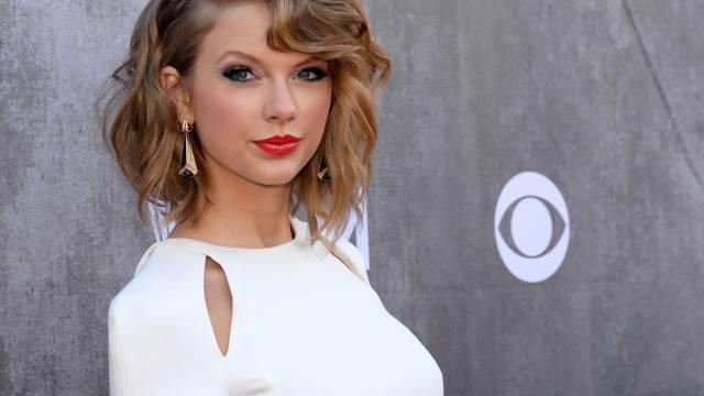 Mag weisse Katzen und weisse Kleidung: Taylor Swift (Archiv)