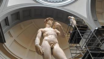 Einmal waschen, bitte: Michelangelos David wurde von Experten sauber geschrubbt.