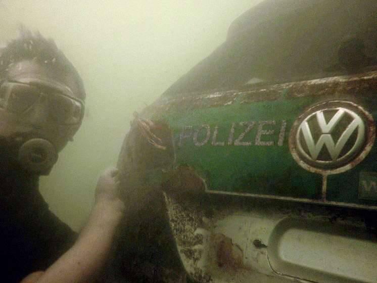 Der Tauchgang am Montag zu dem gesunkenen Polizeiauto