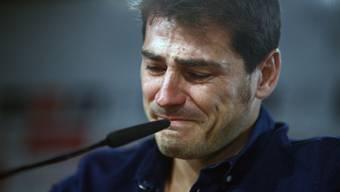 Ende Legende! Für Iker Casillas bleiben nach 26 Jahren Real Madrid nur Tränen, höflicher Applaus und ein Taschentuch.