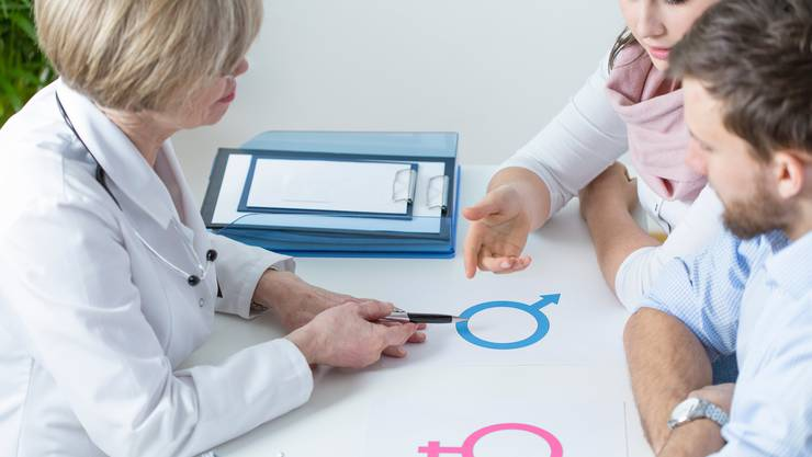 In der Medizin wurde lange so getan, als könne mehr oder weniger geschlechterneutral praktiziert werden. (Bildquelle: iStock/Getty Images)