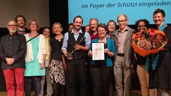 Christoph Wüthrich (Bildmitte) bei der Vergabe des Sozialpreises 2018.