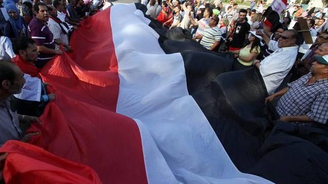 Demonstranten in Kairo protestieren gegen Präsident Mursis Amtsführung