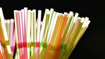 Die Basler Regierung will kein kantonales Plastikröhrli-Verbot erarbeiten.