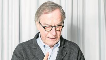 Schriftsteller Klaus Merz in seiner Wohnung in Unterkulm. Bild: Sandra Ardizzone