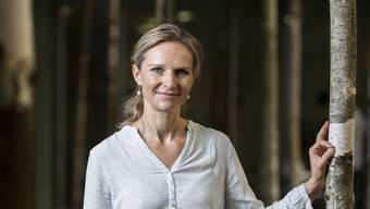 Oberärztin Lucia Engeli (SP), hier im Innenhof des KSA, kandidiert für den Grossen Rat.