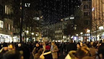 Weihnachtsverkauf an der Zürcher Bahnhofstrasse