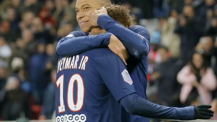 Mbappé und Neymar feiern das 1:0