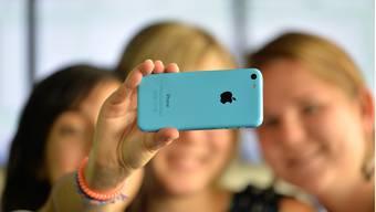 Darf man oder darf man nicht? Ob Selfie-Schiessen während der Arbeit erlaubt ist oder nicht, ist bei der Stadt Olten und beim Kanton nicht klar festgelegt.