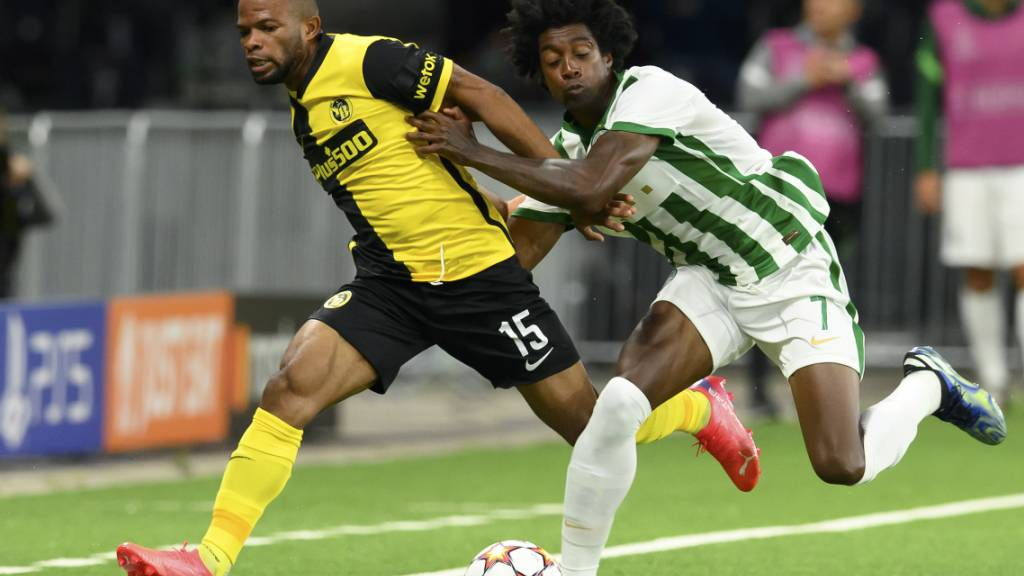 Meschack Elia (links) gegen Ferencvaros' Wergiton Somalia: Der YBler fightete um jeden Ball