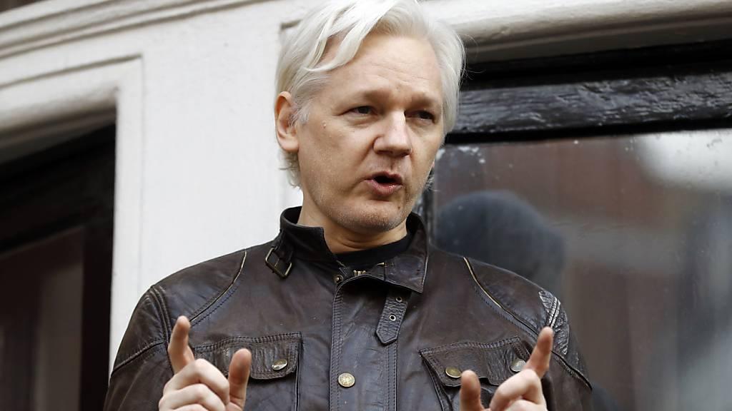 Wikileaks-Gründer Julian Assange wird sich in Schweden nicht wegen Vergewaltigung verantworten müssen. Die dortige Justiz hat entsprechende Vorwürfe fallengelassen. (Archivbild)