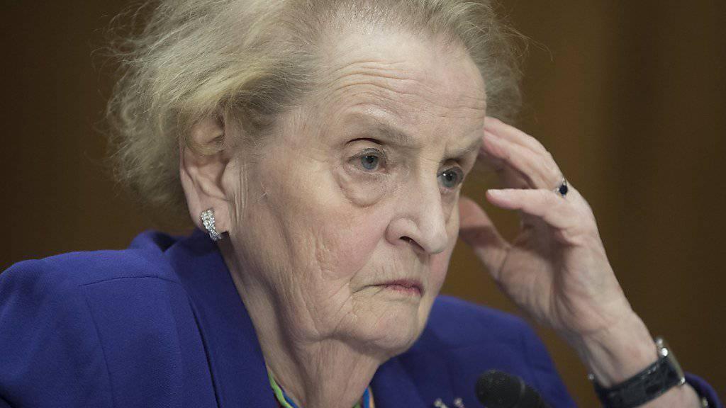 Die ehemalige Aussenministerin der USA, Madeleine Albright, hat den amtierenden US-Präsidenten Donald Trump während ihrer Buchvorstellung stark kritisiert. (Archivbild)