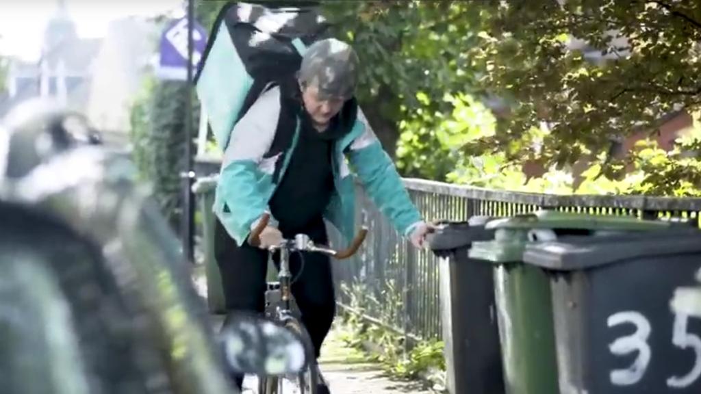 In Sachen Velofahren hat Lewis Capaldi offenbar nicht sehr viel Übung.