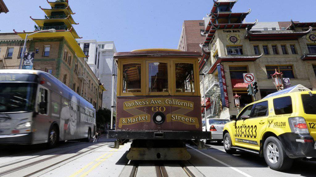 """Zehntausende Menschen waren in San Francisco über Stunden von der Stromzufuhr abgeschnitten. Auch die berühmten """"Cable Cars"""" standen vorübergehend still."""