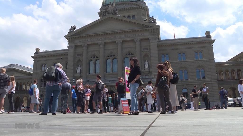 Trotz Lockerungen: Erneute Corona-Demo in Bern
