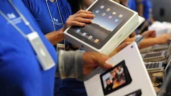Gedränge an den Kassen der Apple-Stores: Verkaufsstart des iPads