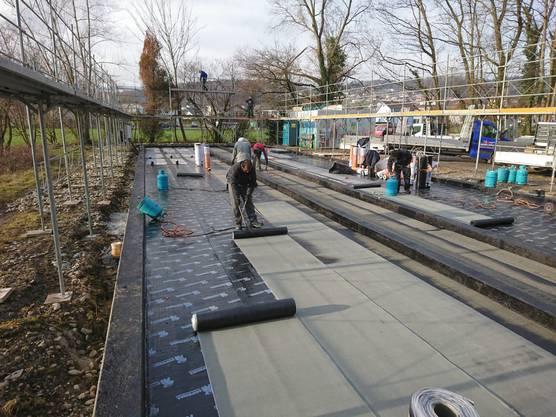 Am Mittwoch konnte das Fundament aus Beton abgedichtet werden.
