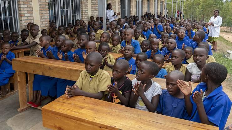 Rund 1500 Kinder können dank den Spenden aus der AZ-Sammelaktion für das des Hilfswerks Margrit Fuchs Ruanda die Schule besuchen.