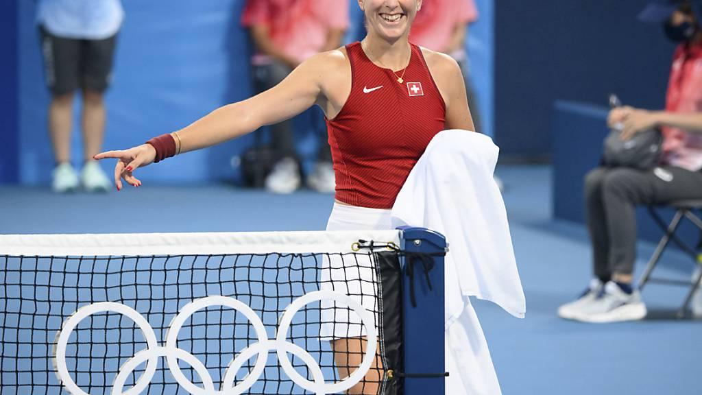 Hat gut Lachen: Belinda Bencic erreicht mit Viktorija Golubic im olympischen Doppel die 2. Runde